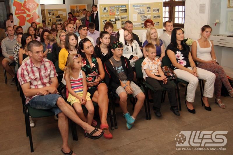 Foto: Latvijas Florbola savienība apbalvo labākos